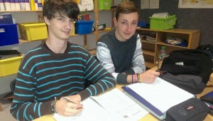 Jan und Maurice (links) vom WPU-Fach Radio Anne-Frank-Schule