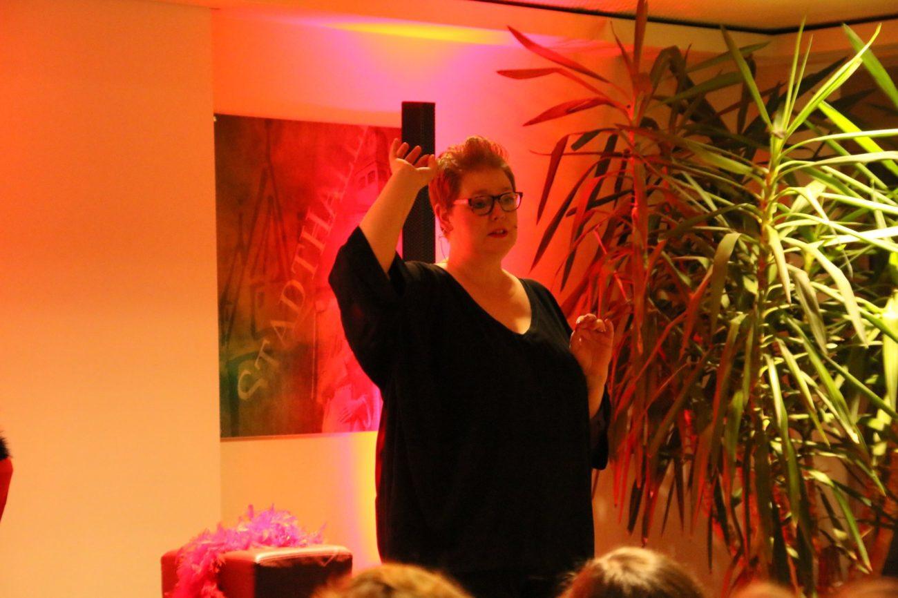 'Starke Weiber dürfen mehr!' - Frau Andrea am 8. März 2020 LIVE in der Eschweger Stadthalle